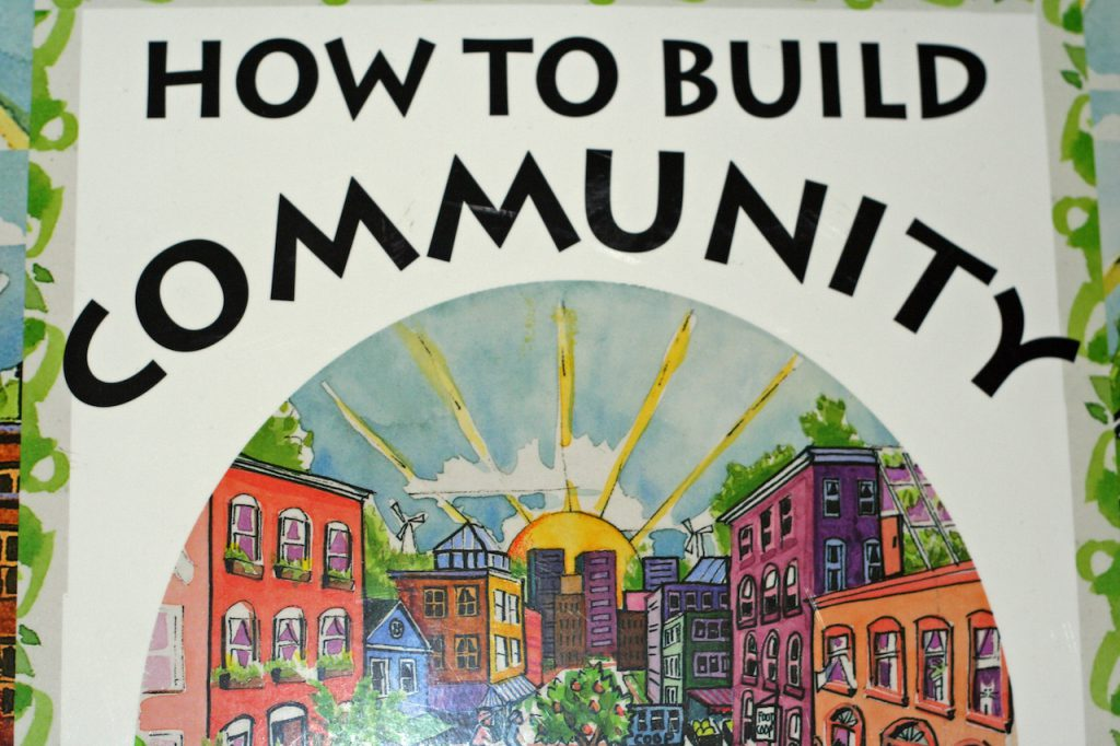 How to build community? Image by Flickr user Niall Kennedy: https://www.flickr.com/photos/niallkennedy/40727794